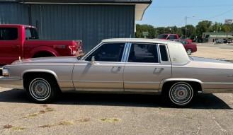 1992 Cadillac  Brougham * No Reserve *